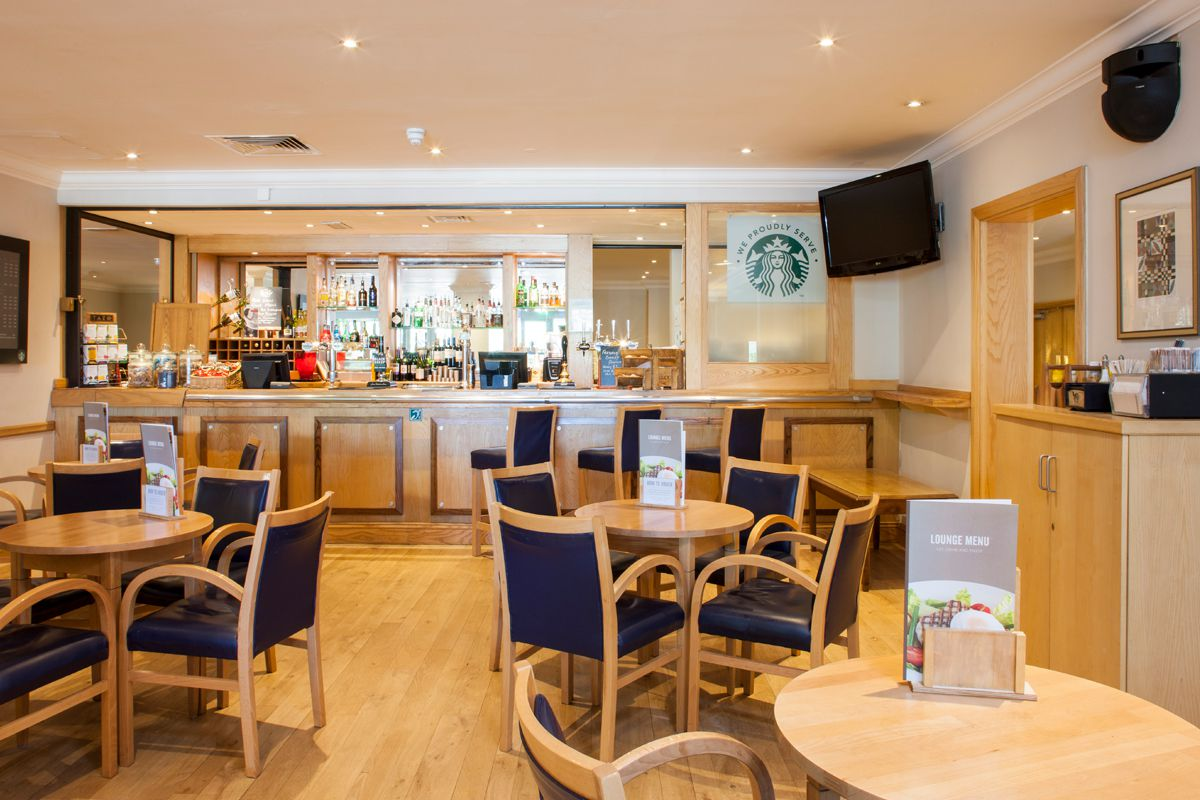 Holiday Inn Leeds Wakefield Starbucks